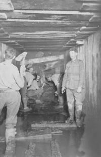 171st Tunnel compagnie aan het werk
