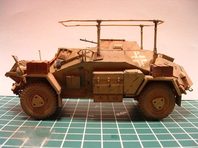 Zijkant van de Sd. Kfz 223 FU modelbouw.