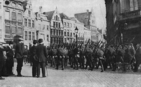 Duitse troepen op de Grote Markt te Antwerpen
